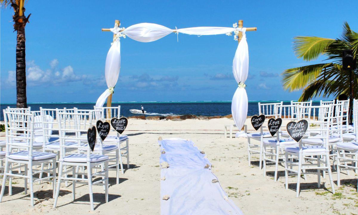 海辺の結婚式場