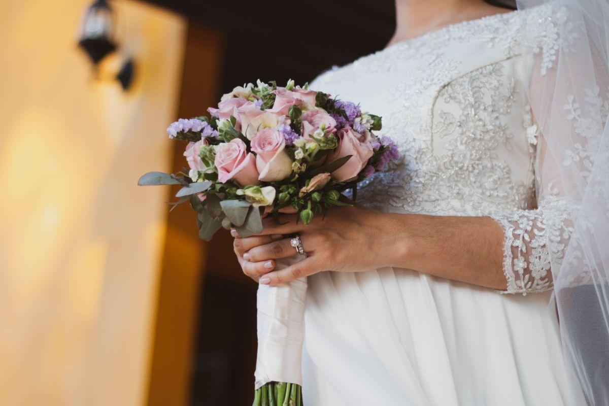 結婚式で煌めく結婚指輪
