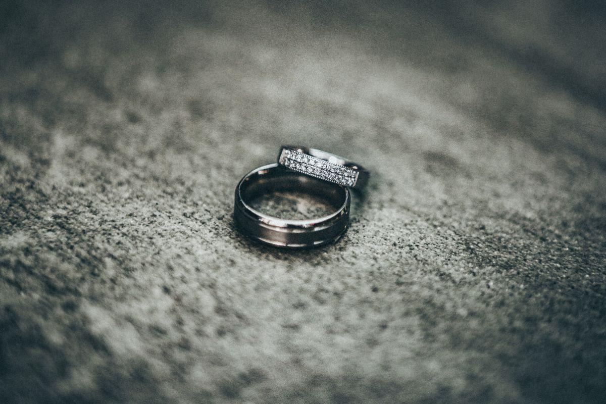 シルバーの結婚指輪